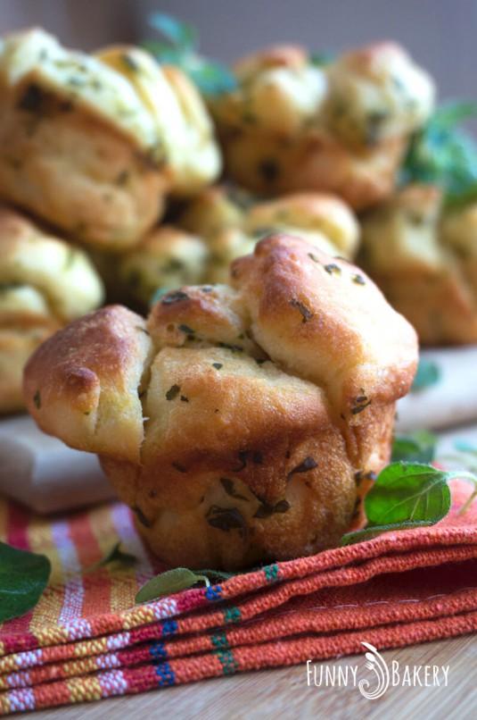 Хлебчета с пресни билки - отблизо