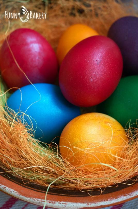 Домашен Великденски козунак - яйца