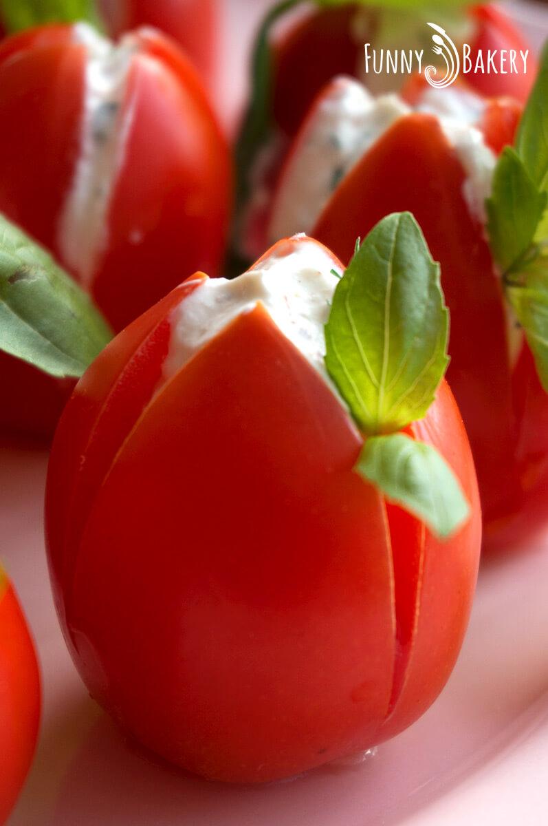 Пълнени чери домати 'Лалета' - голяма