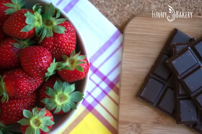 Шоколадово Суфле или иначе казано Лава кейк - ягоди и шоколад