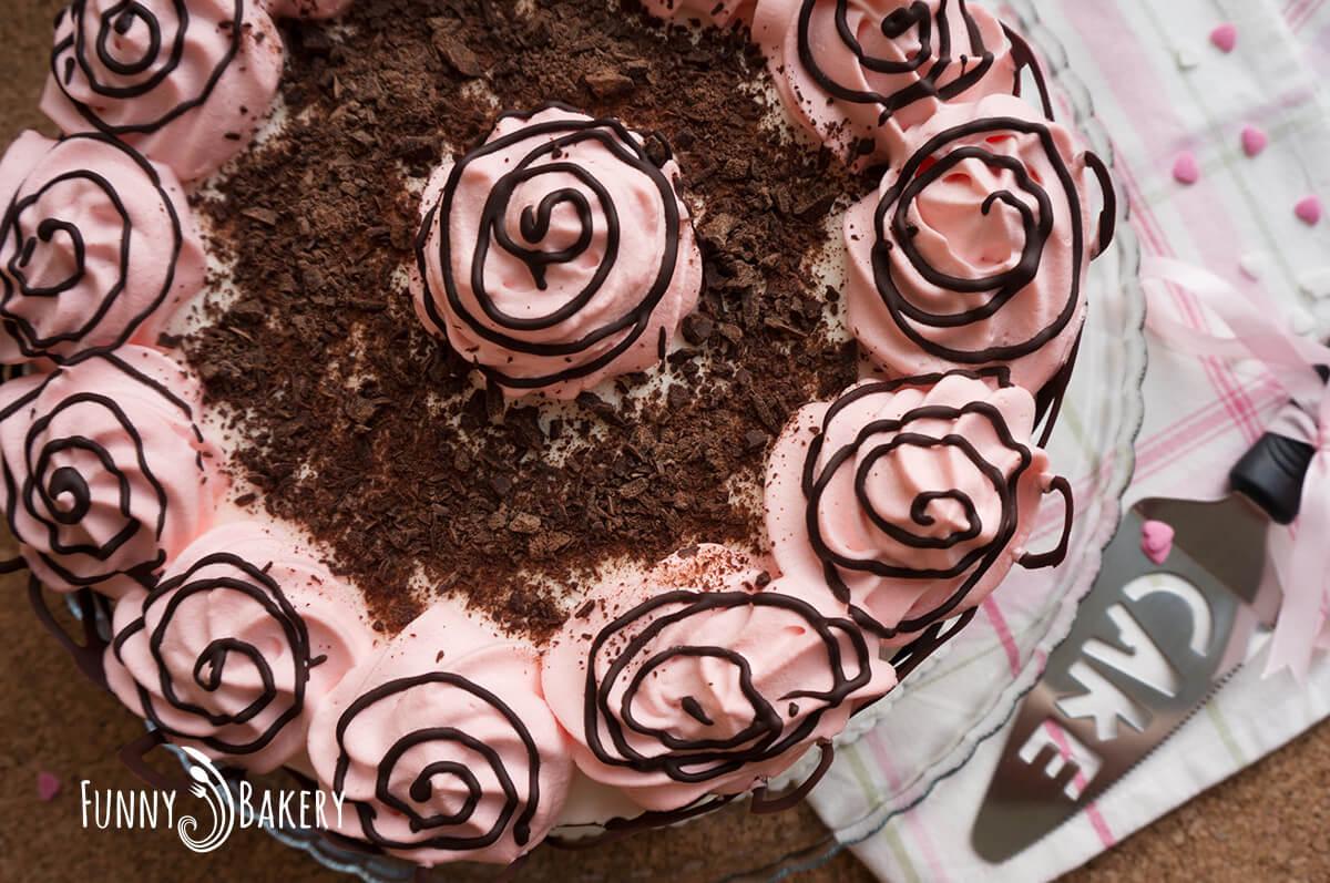 Орехова торта със сладко от черни череши - отгоре