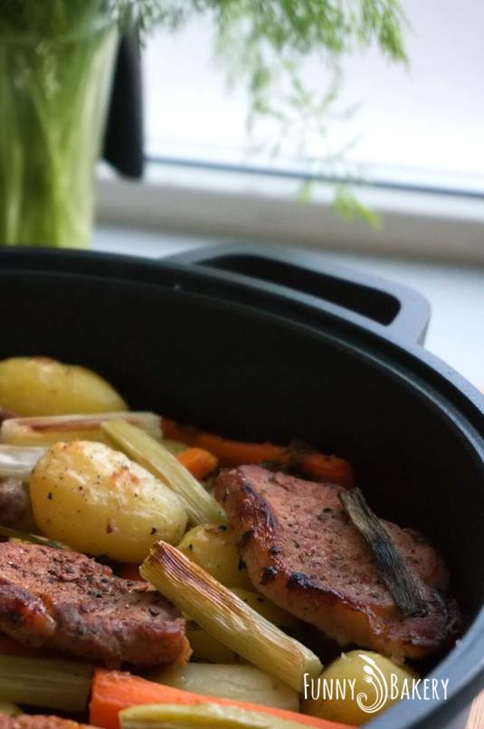 Печени свински карета със зеленчуци - вертикална