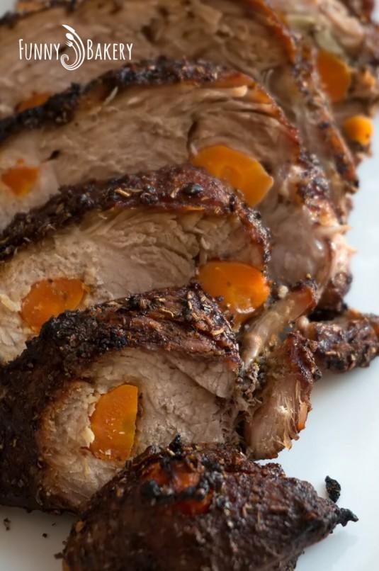 Свинско шпиковано месо - нарязано парче