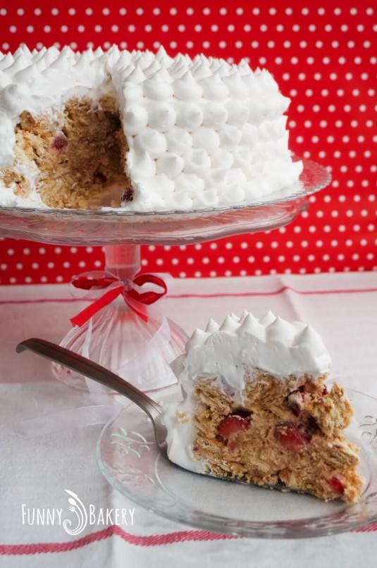 Бисквитена торта с плодове - парче
