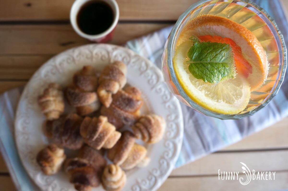 С Надето в кухнята – Пълнозърнести кифлички с ябълков мармалад - 005