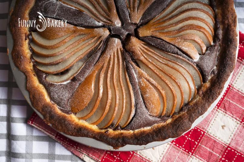 Тарт с какао и круши - отгоре