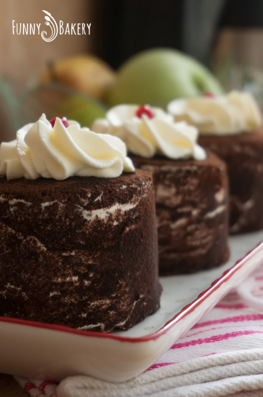 Торта с крем маскарпоне и червени боровинки - профил