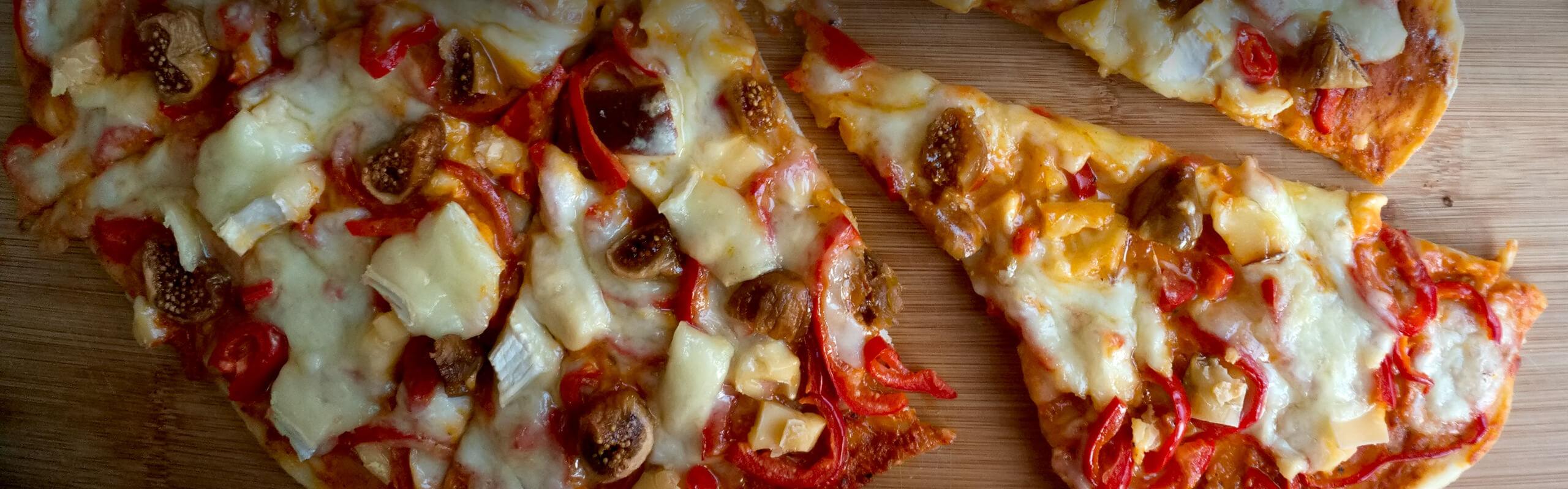 Домашна пица 'Три сирена'