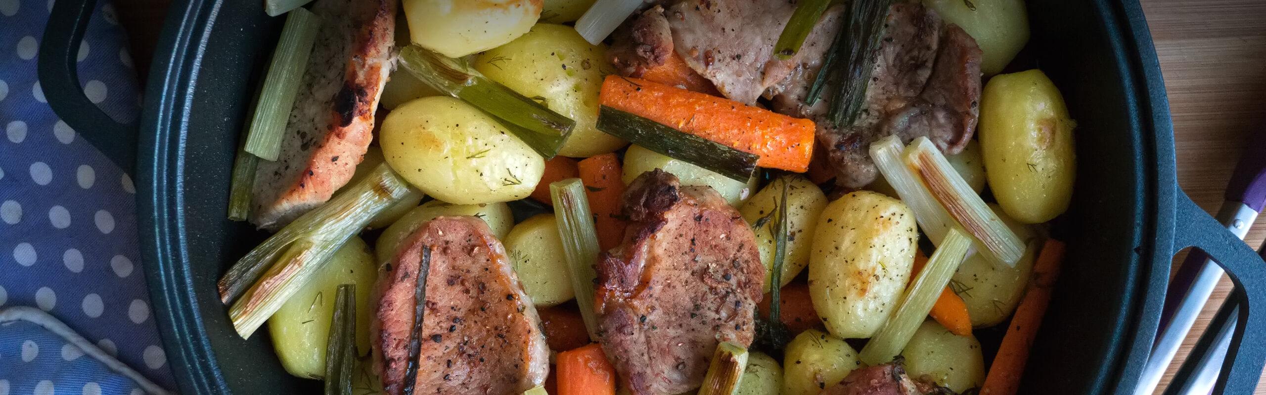 Печени свински карета със зеленчуци