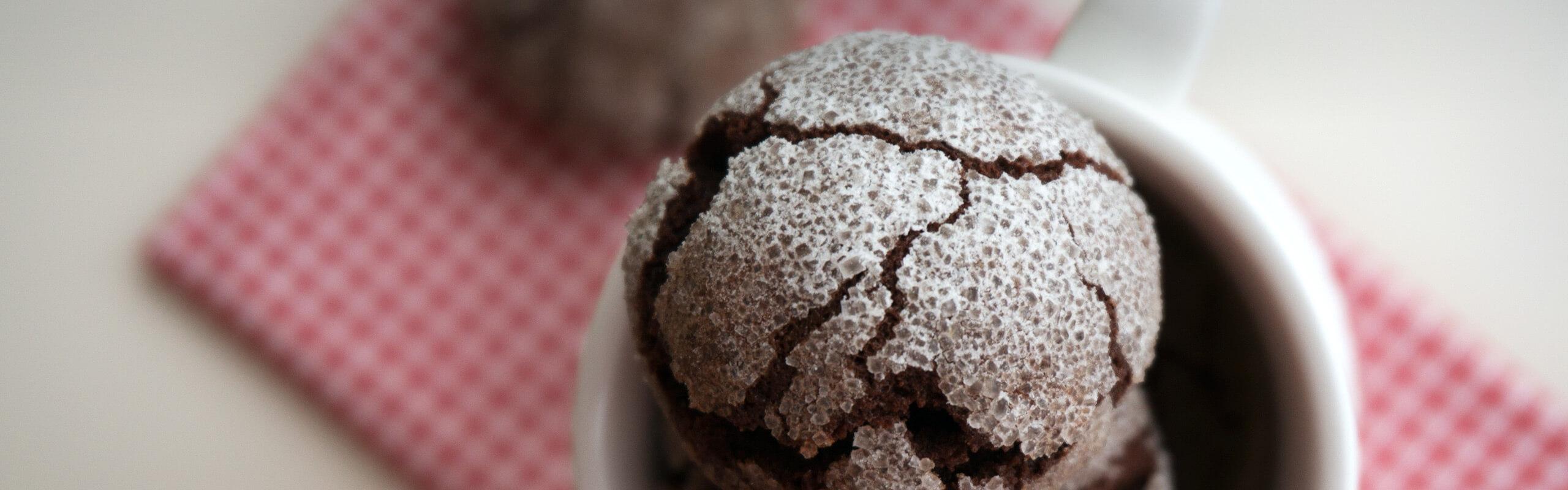 Дребни, напукани шоколадови сладки