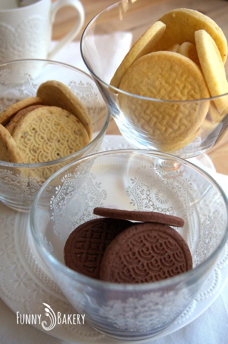 Три вида бисквити – маслени, какаови и орехови_005