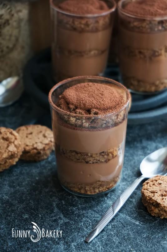 Орехов сладкиш в чаша - 001