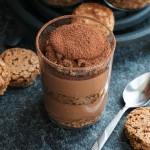 Орехов сладкиш в чаша