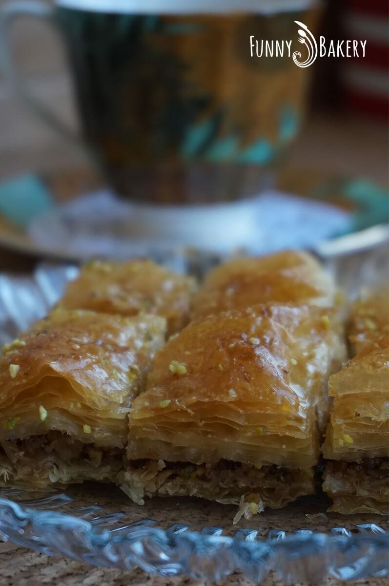 Турска баклава с шам фъстък и орехи 002
