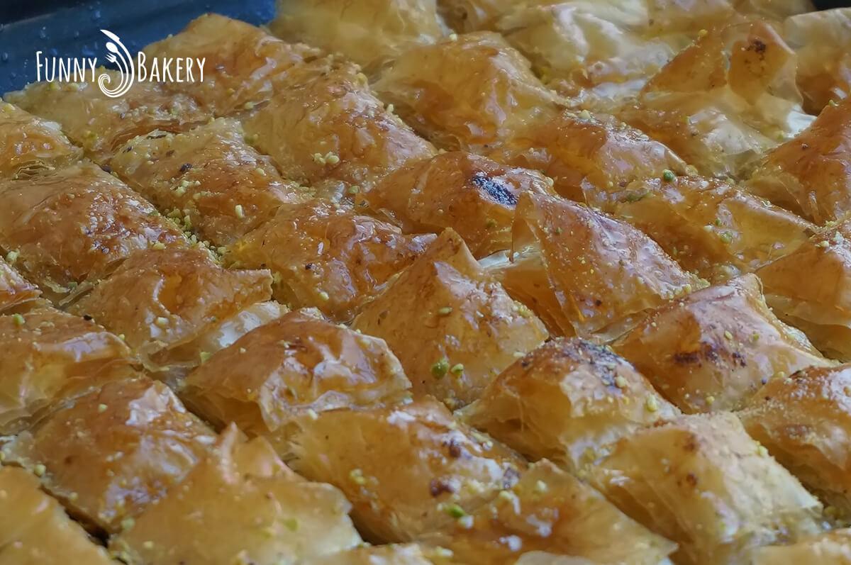 Турска баклава с шам фъстък и орехи 007