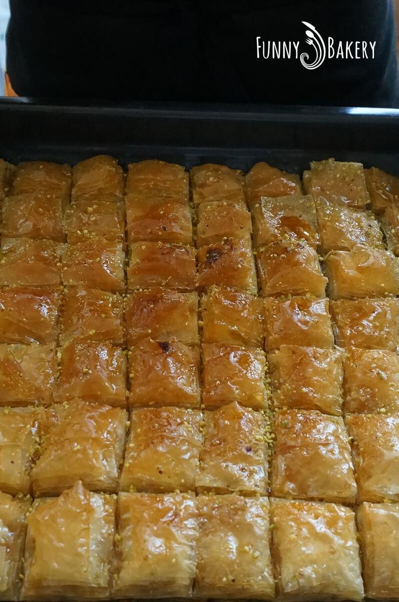 Турска баклава с шам фъстък и орехи 008