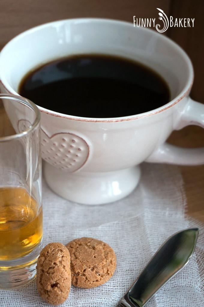 Сладки с Амарети кафе