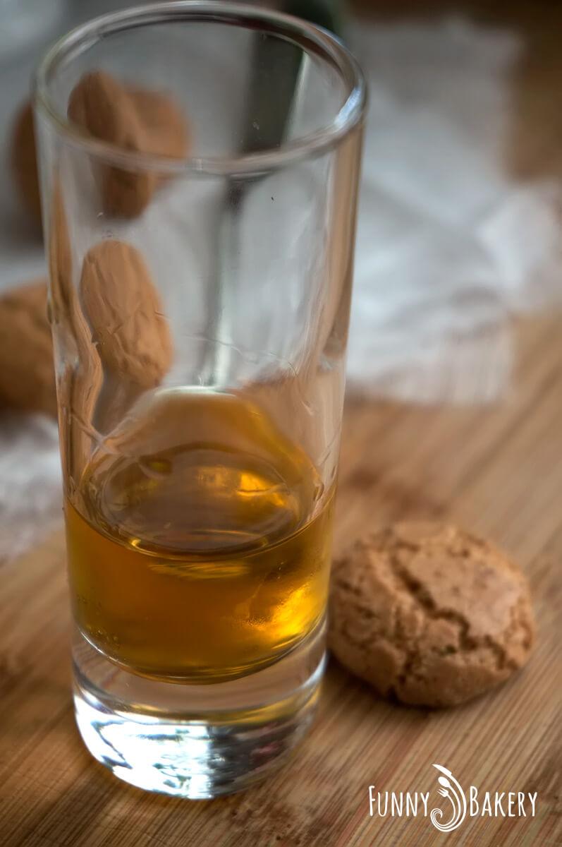 Сладки с Амарети уиски