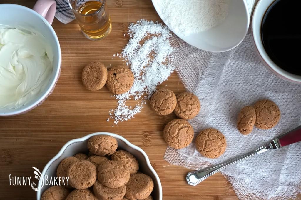 Сладки с Амарети продукти