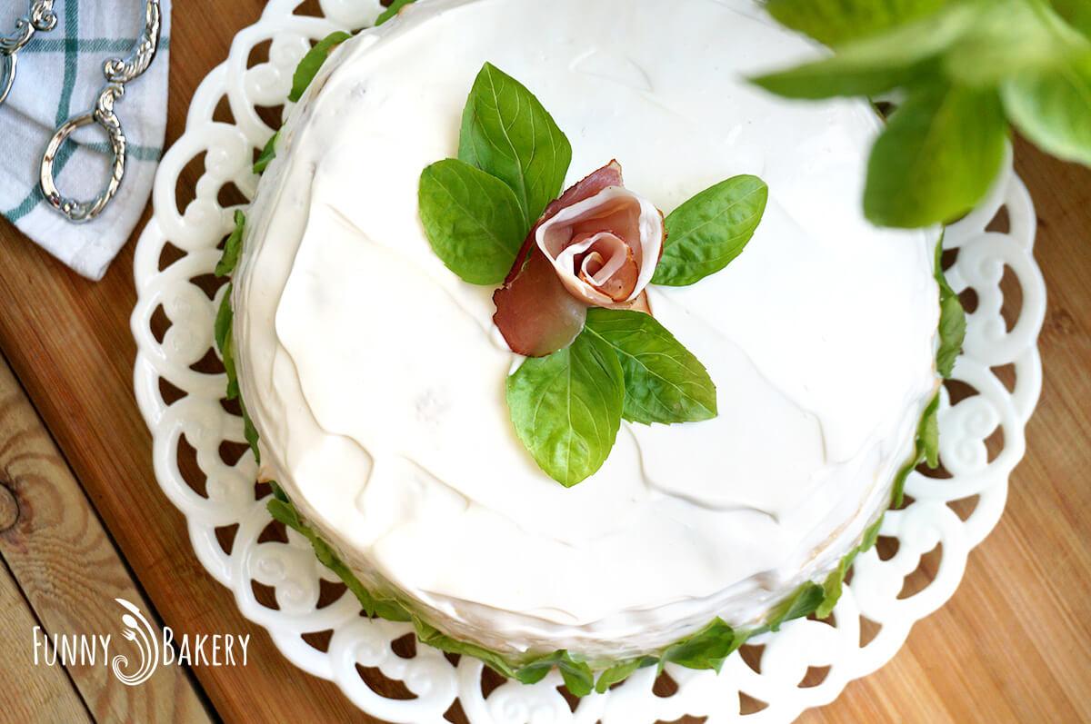 Солена палачинкова торта 01