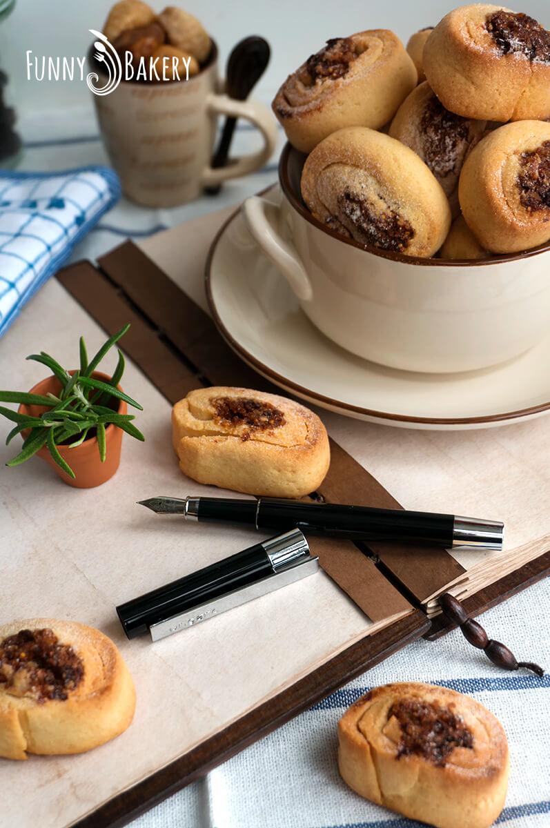 Маслени сладки със сушени плодове и орехи 006
