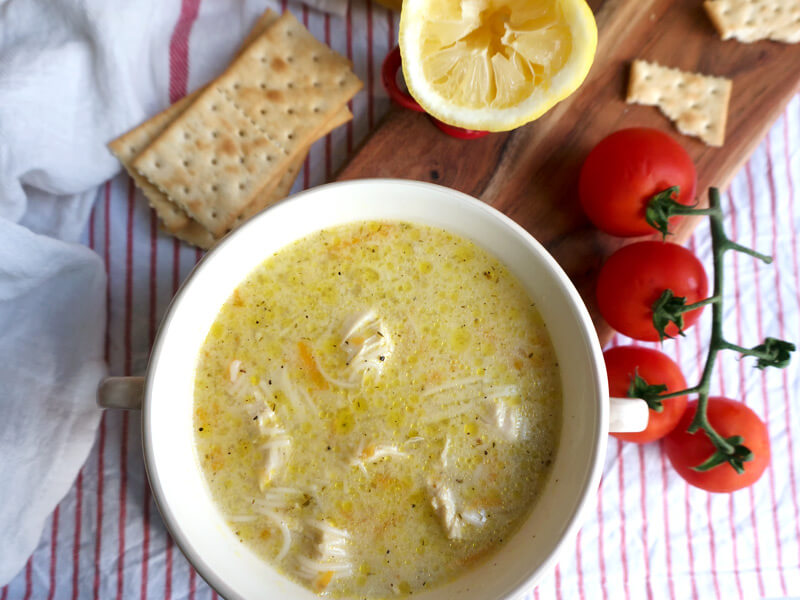 Пилешка супа превю