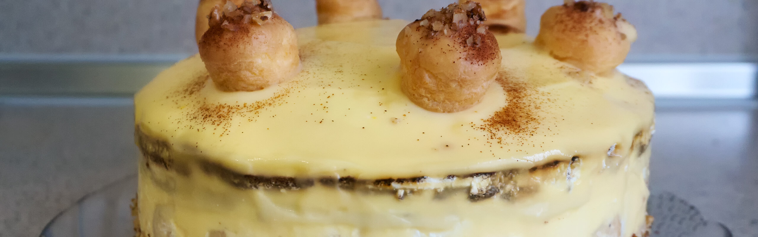 Еклерова торта<br>с ябълки и канела