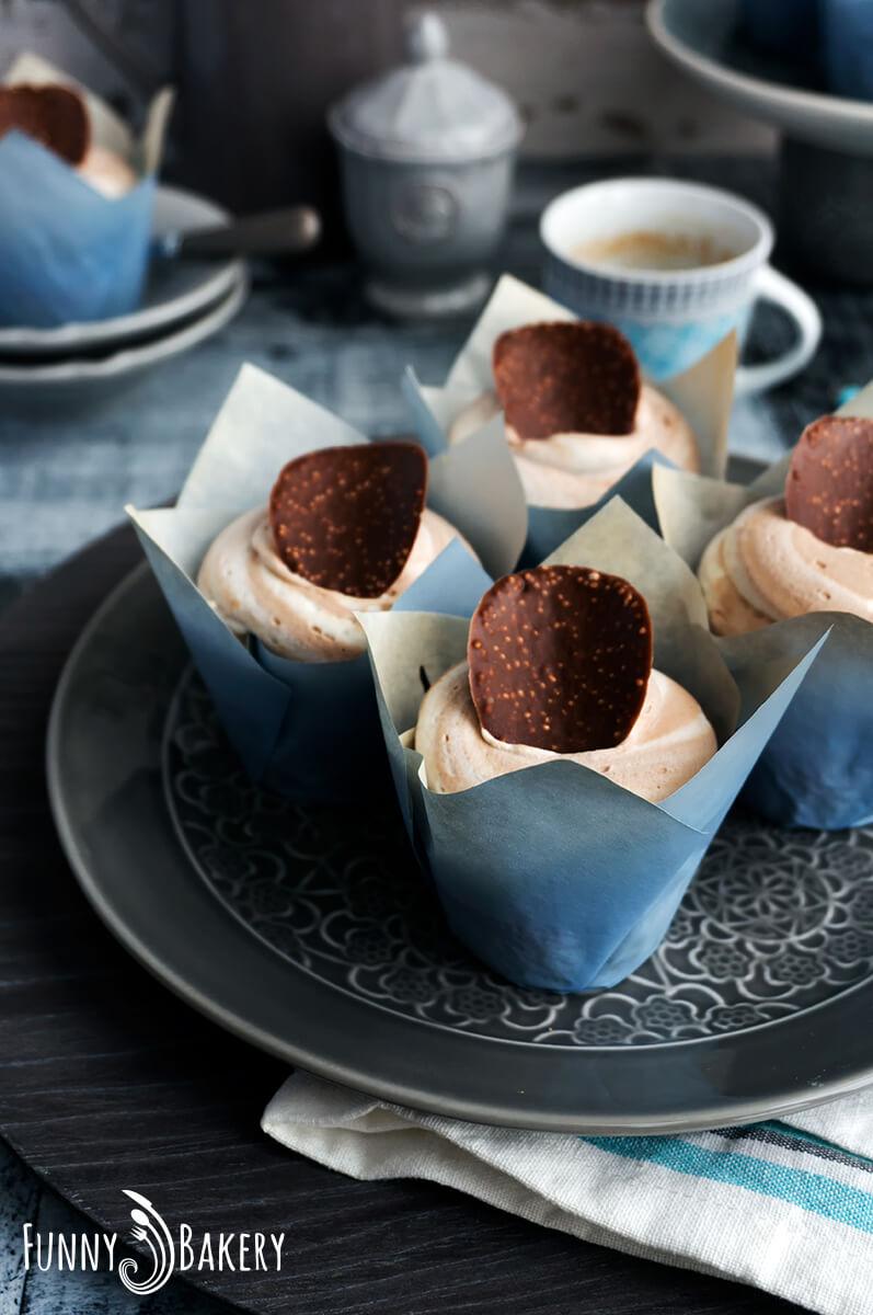 Ванилови къпкейкове с шоколадов пудинг_001