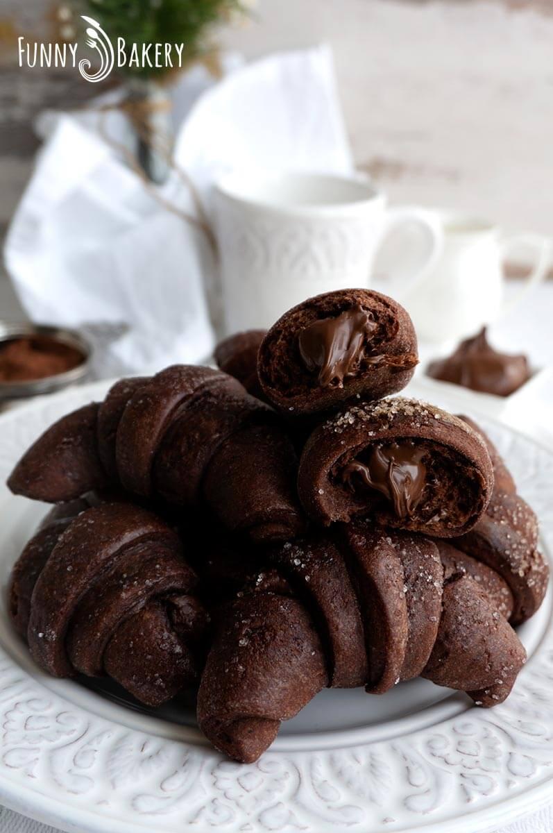 Шоколадови кифлички с Нутела - 006