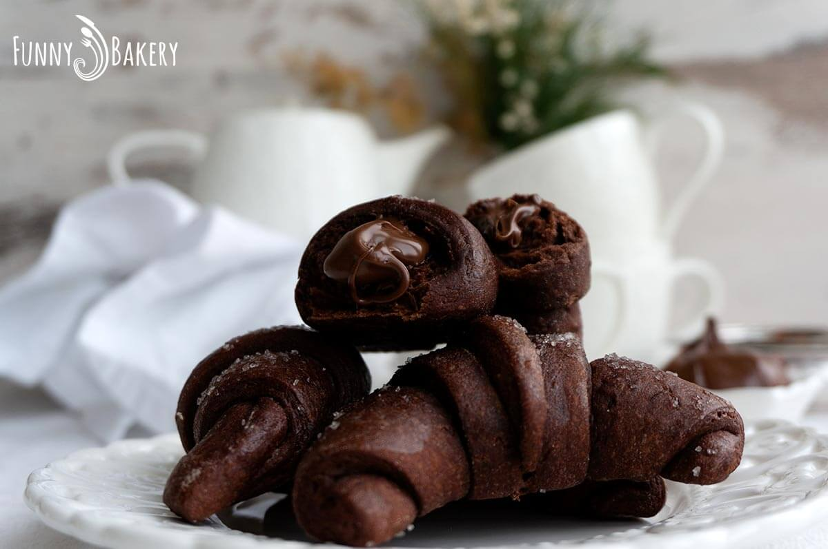 Шоколадови кифлички с Нутела - 009