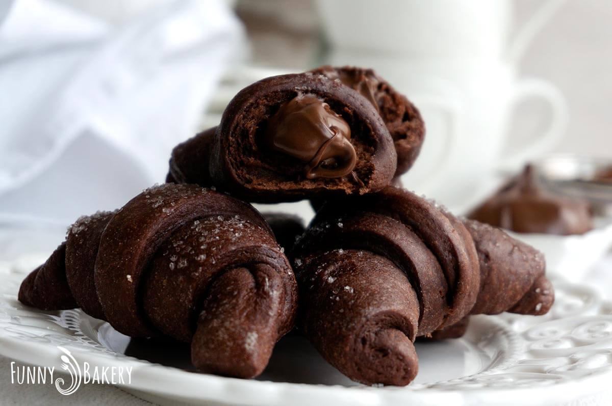 Шоколадови кифлички с Нутела - 010