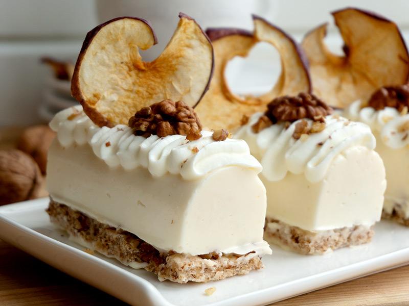 Мини крем тортички с ябълково сладко - превю
